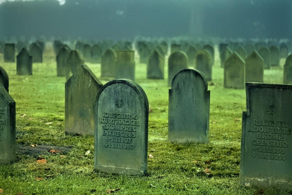 【お別れ】ペットの埋葬方法について-費用や法律も理解しておこう
